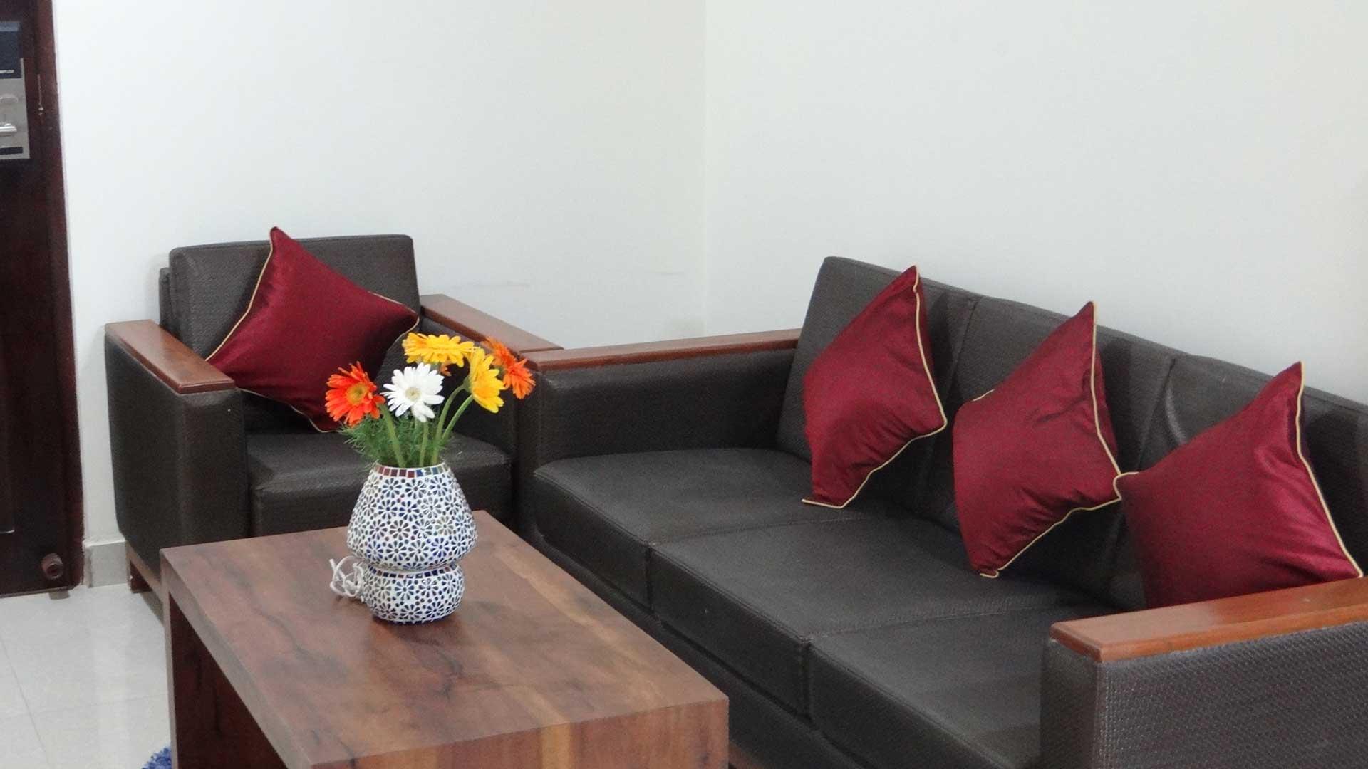 suite-room-sitting-area